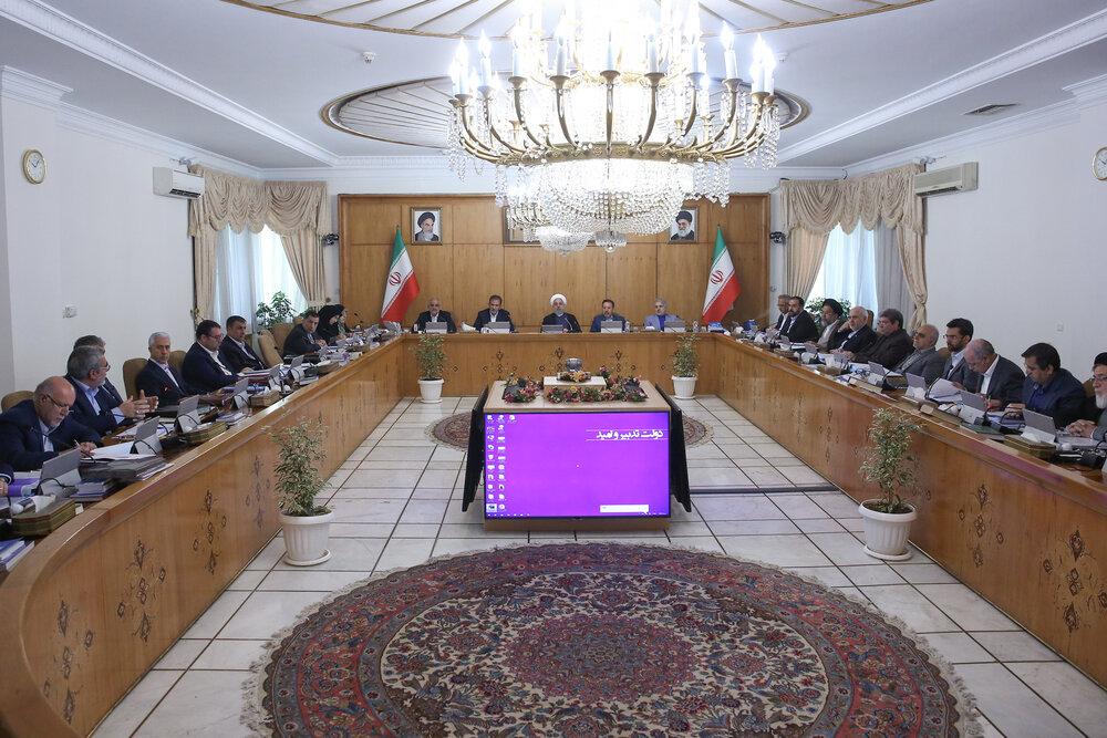 روحانی: کاهش تعهدات برجام به صورت مرحلهای اقدامی عاقلانه بود